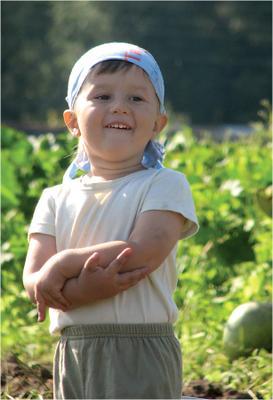 Полевые работы успешно завршены :) дети, улыбка, лето, огород, на картошке