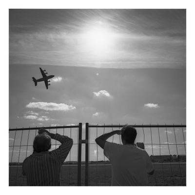 ты, я и самолёт самолёт черно-белое фото средний формат плёночная фотография