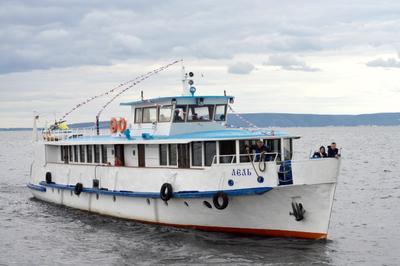 Прогулка Волга корабль капитан судно река тольятти самарская лука