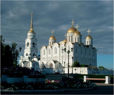 Монументальность Успенский собор