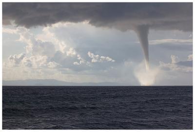 Торнадо у острова Закинф Торнадо Греция