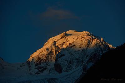 Первый луч горы кавказ осетия