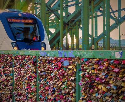 Замки любви и надежды Мост замки влюблённых