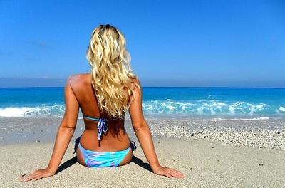 (без названия) девушка на пляже море Греция Лефкас