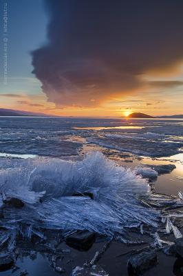 Ледоход на Байкале Байкал лед Малое Море ледоход