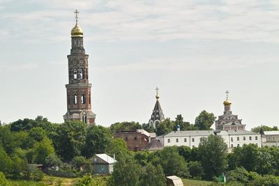 Вид на Свято-Иоанно-Богословский монастырь Свято-Иоанно-Богословский монастырь