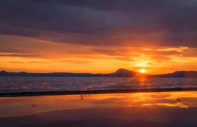Закат над озером Белё