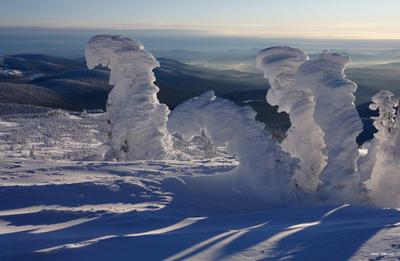 Снеговики горы, шерегеш, зима, снег, солнце, горная шория, мустаг