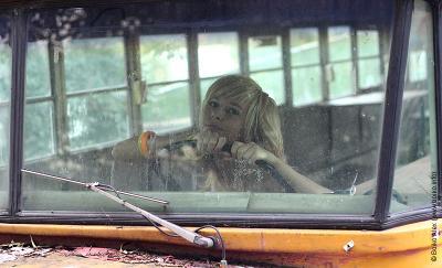 Ольга девушка модель автобус блондинка