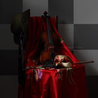 Dopo il carnevale натюрморт скрипка маска карнавал