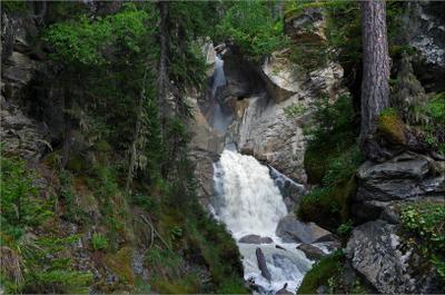 """Водопад """"Чёртова мельница"""" на реке Индрикой Карачаево-Черкесия водопад Индрикой"""