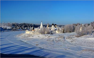 """""""Мороз и солнце, день чудесный..."""" Старица Старицкий Свято-Успенский монастырь декабрь мороз утро"""