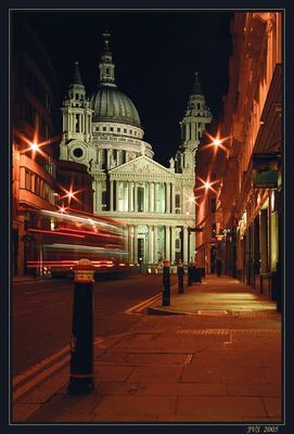 Последний автобус Лондон, Собор Св.Павла