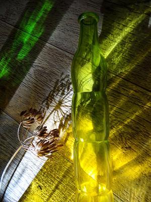 """из серии """"Игры со светом"""" свет цвет стекляшки жёлтое зелёное"""