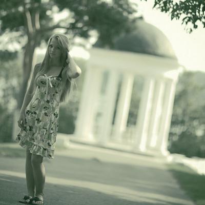 Уличные портреты девушка кострома беседка волосы лето парк сосна