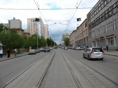Улица Серебренниковская город улица весна