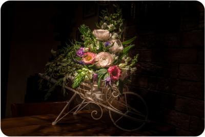 Сюжет с необычными цветами цветы