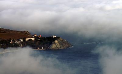 Мыс Плака (Крым) мыс Плака Крым облака Crimee Crimea замок княгини Гагариной