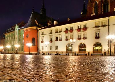Площадь малого рынка в Кракове архитектура брусчатка вечер город достопримечательность европа здание краков ночь отражение площадь подсветка польша улица