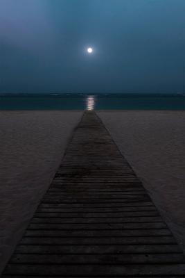 Лунная дорожка Ночь луна море отражение берег песок дорожка