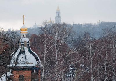 Зима припорошила купола