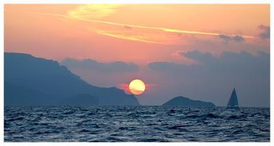 Курс на восток яхта море парус