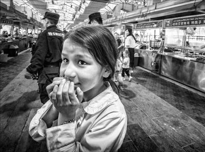 Дети Китая. китай дети чб улица стрит вечер эмоции