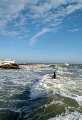 За два дня до нового  года декабрь одесса черное море волны