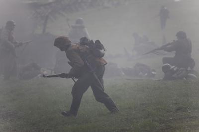Наступление бородино атака реконструкция великая отечественная война солдат