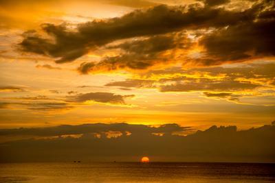 red sunset sunset закат ocean океан море пляж