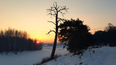 Короткий день. Зима закат река