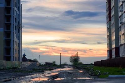 Время контрастов город уличная фотография закат