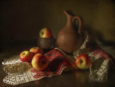 С яблоками