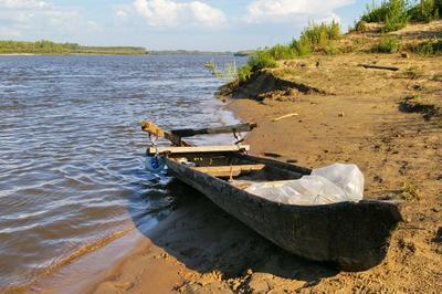 На Чулыме. сибирь река чулым берег песок лодка облосок лето