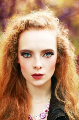 Осень осень портрет девушка уют краски модель