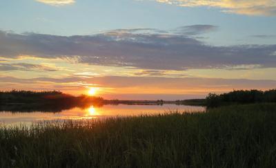 Закат. река Печора залив закат