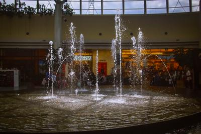 ***Фонтан .... Свет солнце лучи вода фонтан архитектура