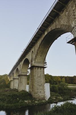 Под мостом мост Житомирская обл пейзаж камень река небо железная дорога путешествие