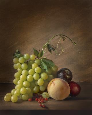 *** натюрморт виноград