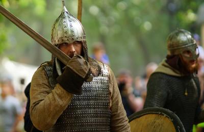 Ратник ратник воин меч битва