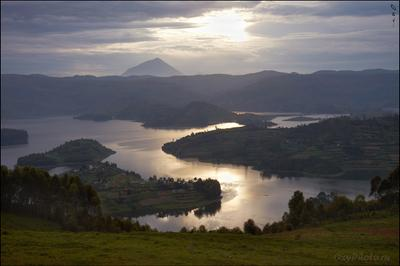 Озеро, не очень то похожее на африканское... Africa, Bunyonyi, lake, Uganda, Африка, Буньони, озеро, Уганда