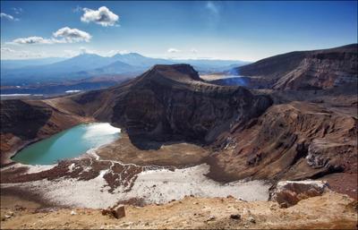Горелый и пара его кратеров. Камчатка вулкан Горелый