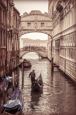 a day in Venezia  Venezia Венеция вода канал гондола мост дождь люди