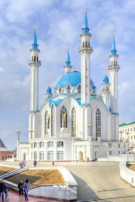 Жемчужина Казани Казань, Мечеть Кул-Шариф, весна, вишни