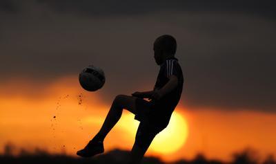 мальчик и мячик