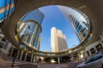 Город в круге Город здания утро