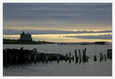 утро суровое белое море кемь утро раннее холод собачий скоро дождь начинется чесовня на мысу