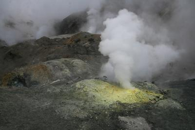 Камчатка. Фумаролы вулкана Мутновский