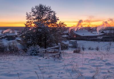 Холода пришли все топят печки... закат вечер холод мороз село дым