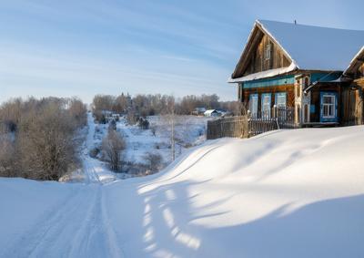 Домик на холме. зима деревня вятка